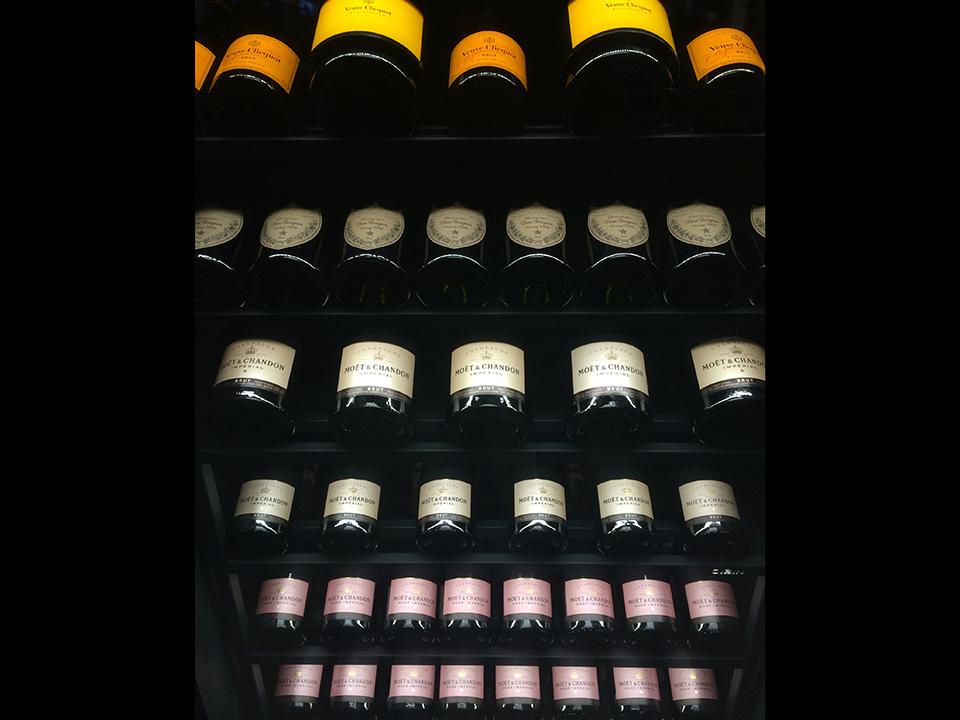 refrigerated-wine-cellars-cabinets-estrel