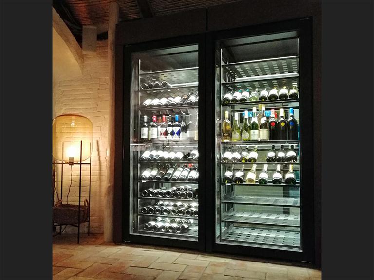 refrigerated-wine-cellars-cabinets-porto-cervo-01