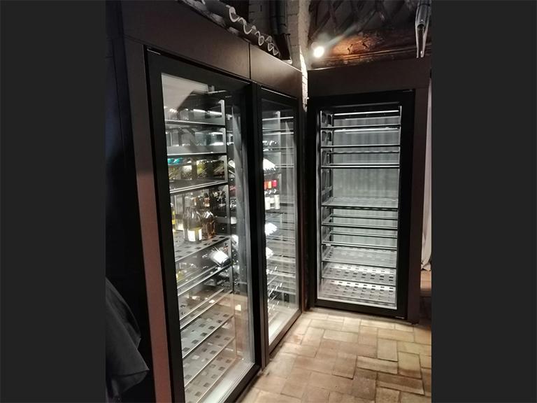 refrigerated-wine-cellars-cabinets-porto-cervo-03