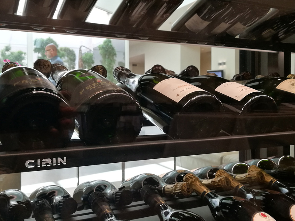 refrigerated-wine-cellars-cabinets-portici_bologna